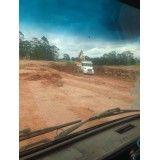 Empresas que fazem remoção de terra na Vila Dora
