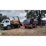 Remoção de lixo de obra de casas na Vila Santa Tereza