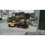 Remoção de lixo de obras grandes na Vila Alzira