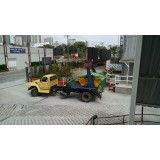 Remoção de lixo de obras grandes na Vila Camilópolis