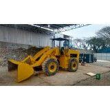 Serviço de retirada de terra de obras na Vila Assunção